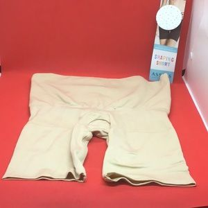 Assets by Spanx Shaping Shorts Size Medium - Naked